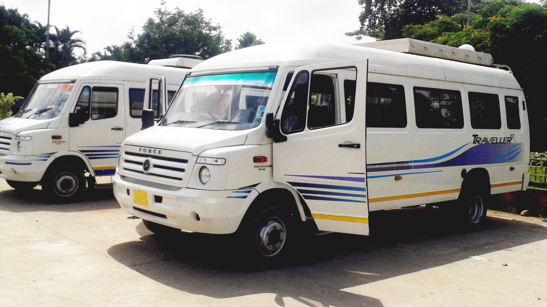 tempo traveller in haridwar